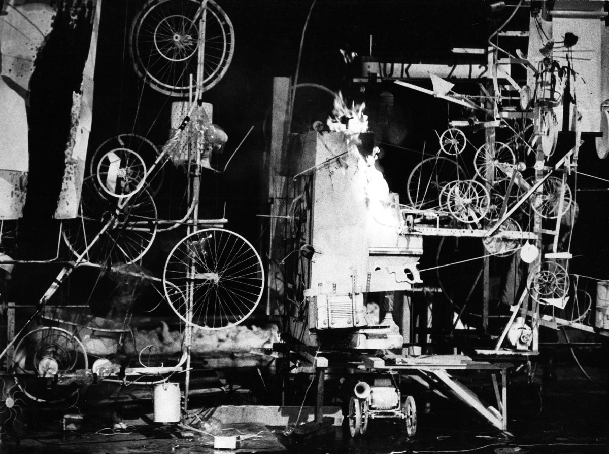 Abb. 1 Jean Tinguely, Homage to New York, 1960 Museum of Modern Art, New York Photo: David Gahr © VG Bild-Kunst, Bonn 2016